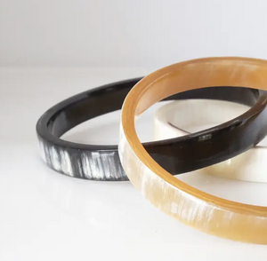 Tron Minimalist Buffalo Horn Bangle-Poppy Street