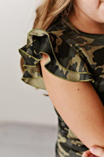 Load image into Gallery viewer, Flutter Sleeve Tee - Camo
