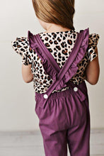 Load image into Gallery viewer, Leopard Flutter Sleeve Tee
