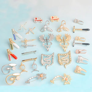 Pins Nurse Brooches Blood Pressure Meter Neuron Caduceus Reflex Hammer Medical jewelry Wholesale