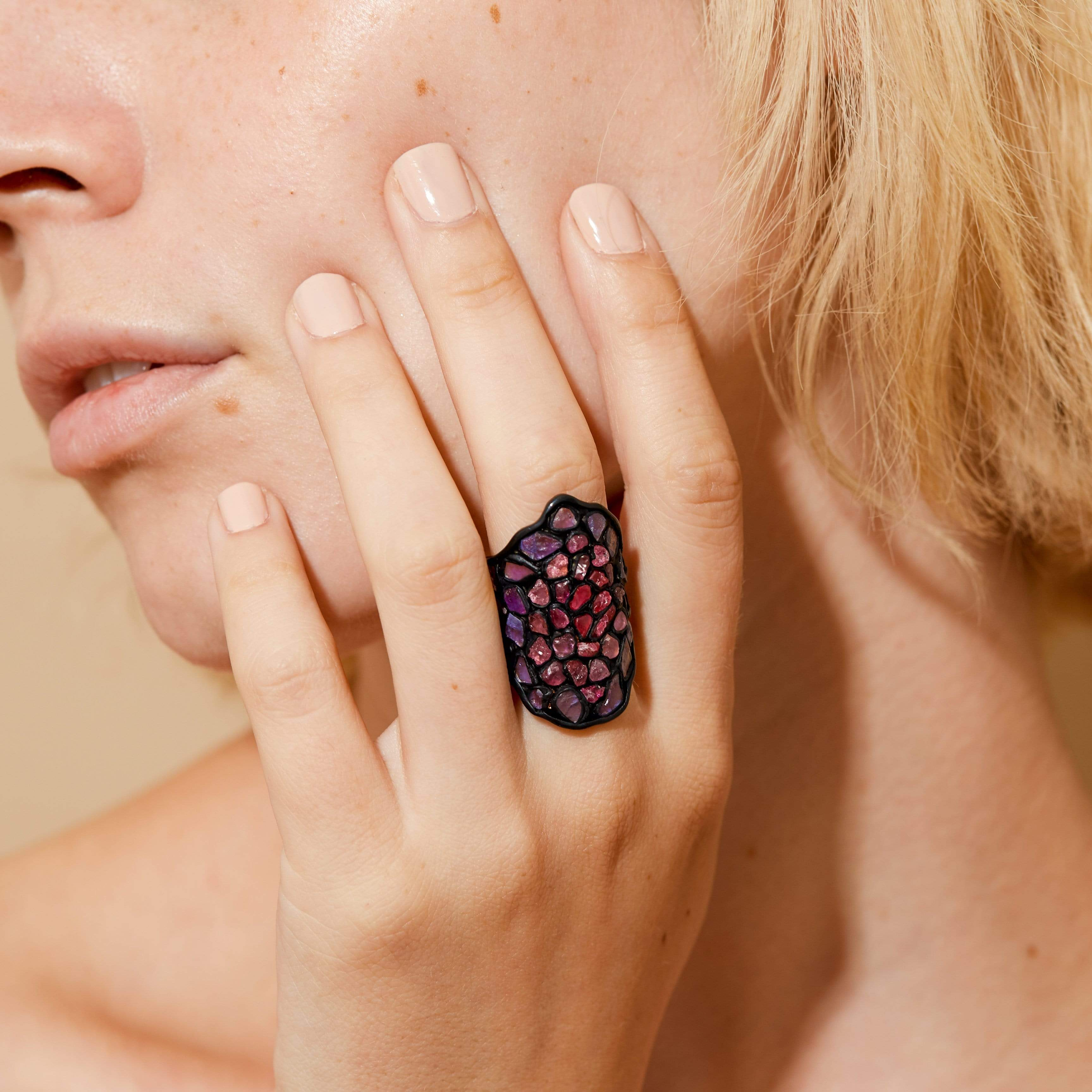 Fabra Ring, Anthracite, black, Exclusive, Gold, Spinel, spo-disabled, StoneColor:Pink, Style:Statement, Type:StainedGlass Ring