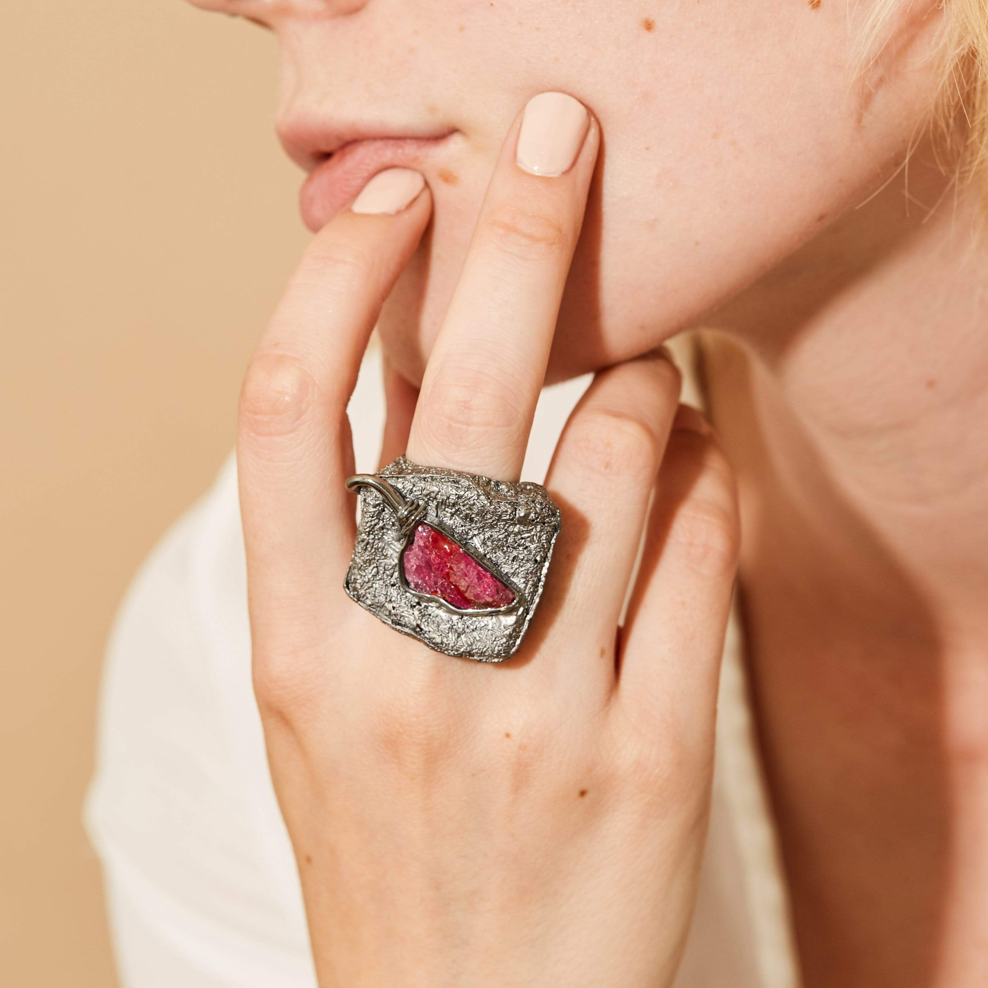 Goneril Ring, Exclusive, gray, Rhodium, Ruby, StoneColor:PinkRuby, Style:Everyday Ring