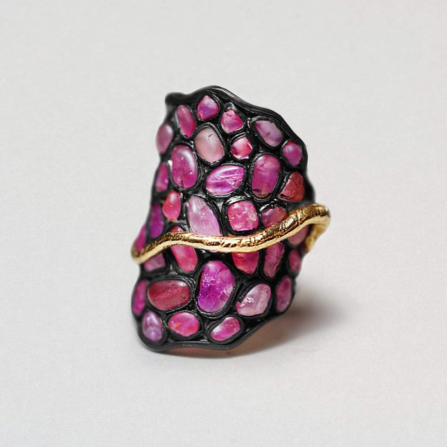 Salome Ring, Anthracite, black, Exclusive, Gold, Ruby, spo-disabled, StoneColor:PinkRuby, Style:Statement, Type:StainedGlass Ring