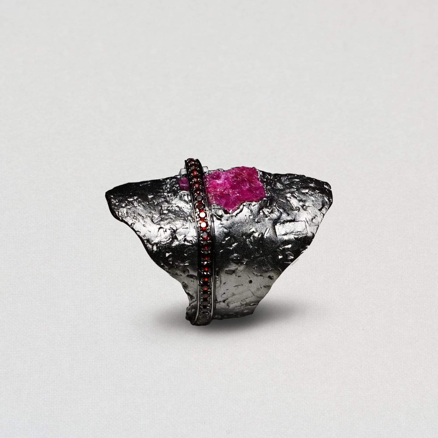 Varuna Ring, Exclusive, Garnet, gray, Rhodium, Ruby, spo-disabled, StoneColor:PinkRuby, Style:Everyday, Type:StoneCandyScattered Ring