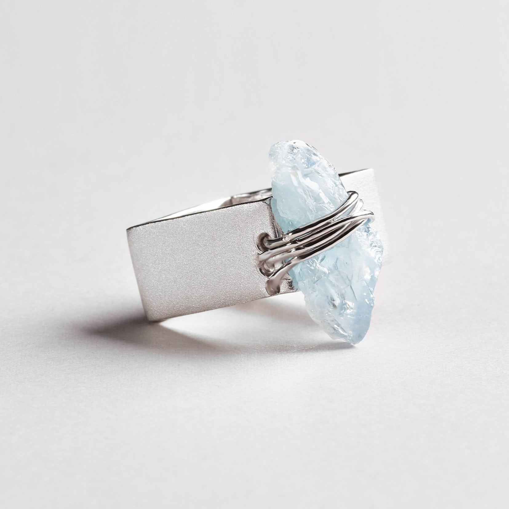Tutela Aquamarine Ring