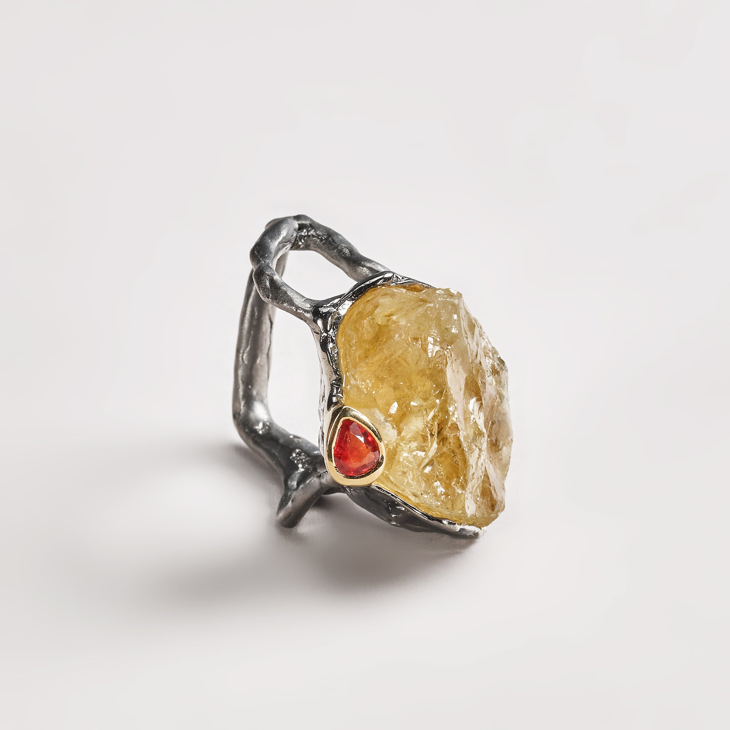 Gova Citrine Ring