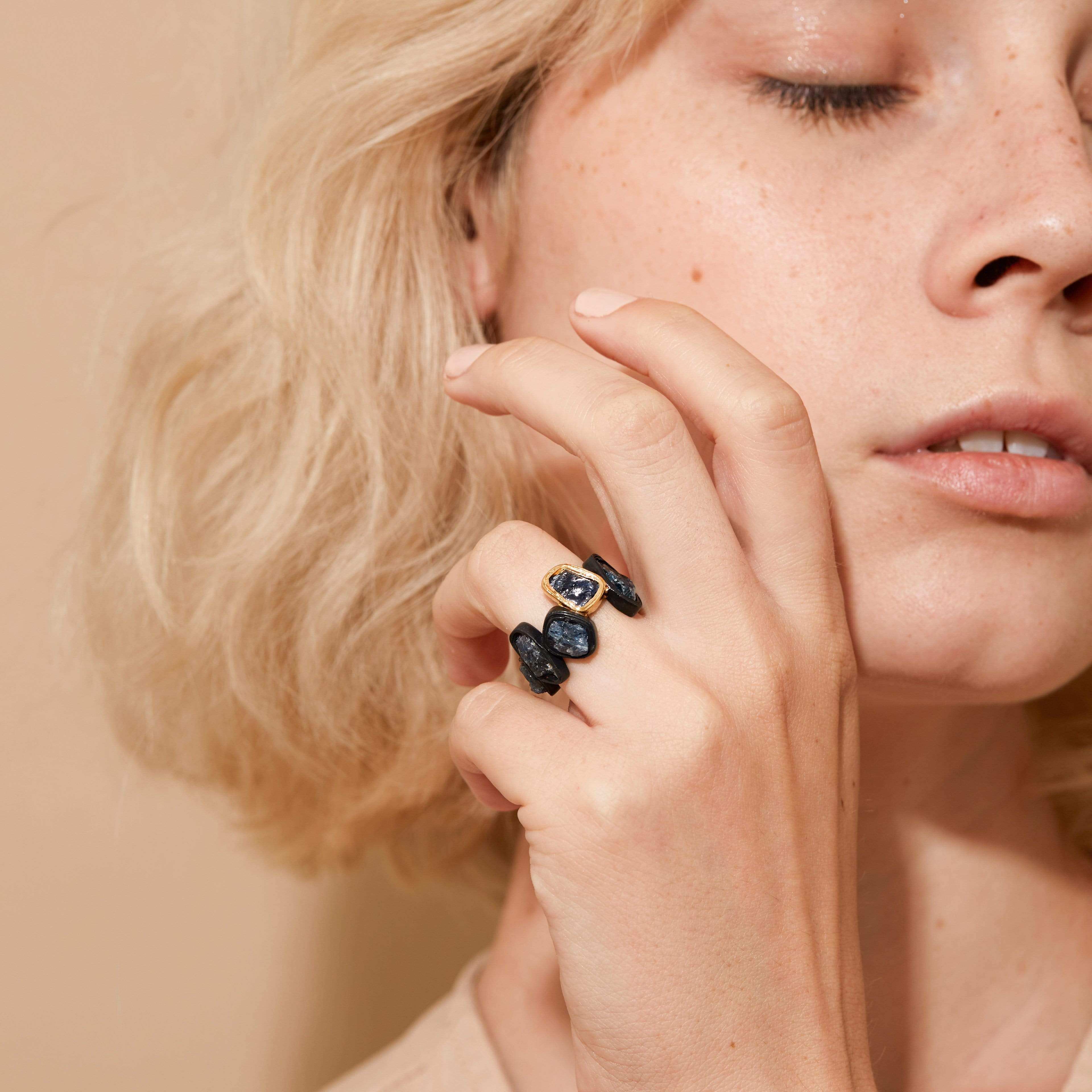 Orienta Ring, Anthracite, black, Gold, Handmade, Sapphire, spo-disabled, StoneColor:DeepBlue, Style:Everyday, Type:StoneCandyDelicate Ring