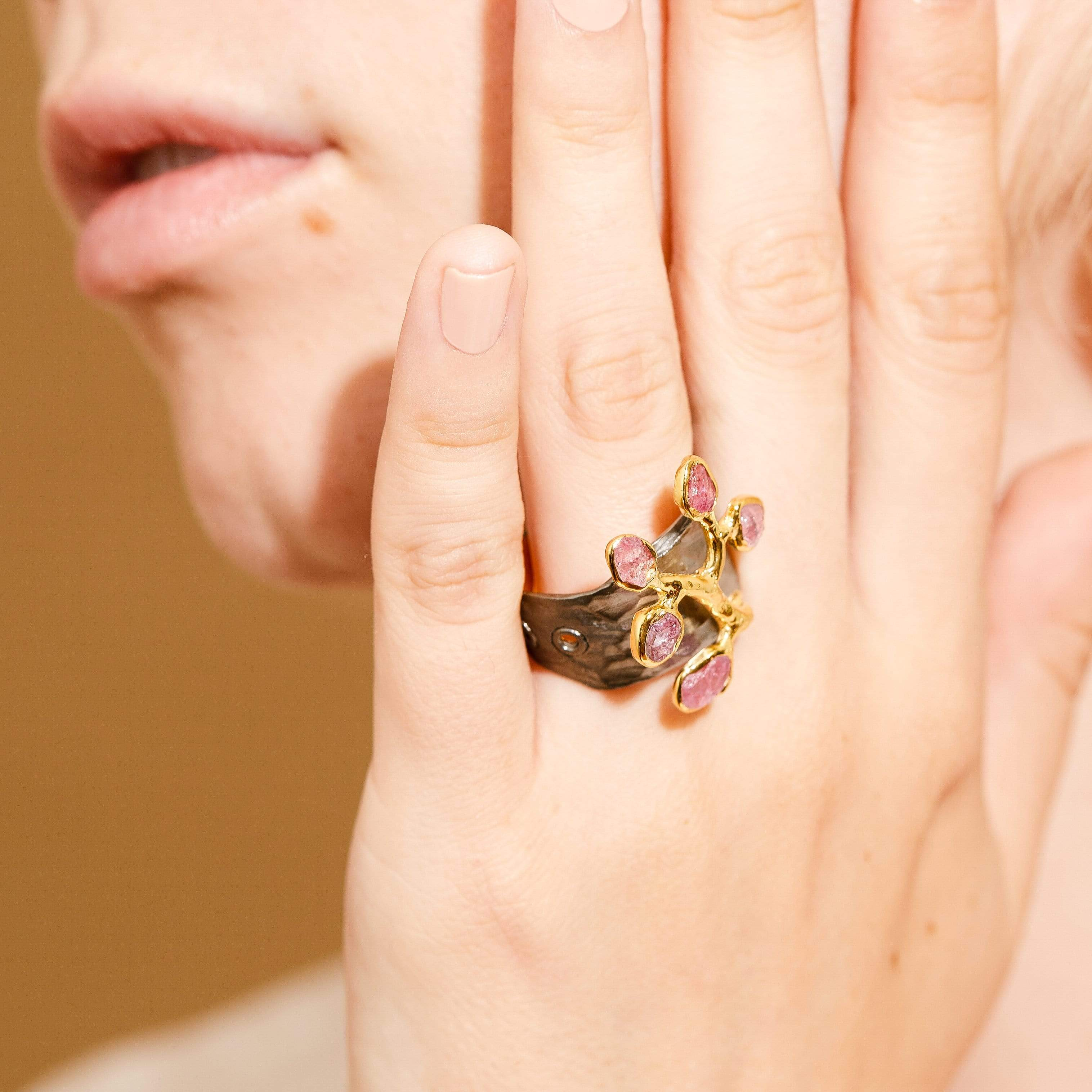 Cerafia Ring, Gold, gray, Handmade, Rhodium, Spinel, spo-disabled, StoneColor:Pink, Style:Fantasy, Type:Garden, Type:StoneCandyOut Ring