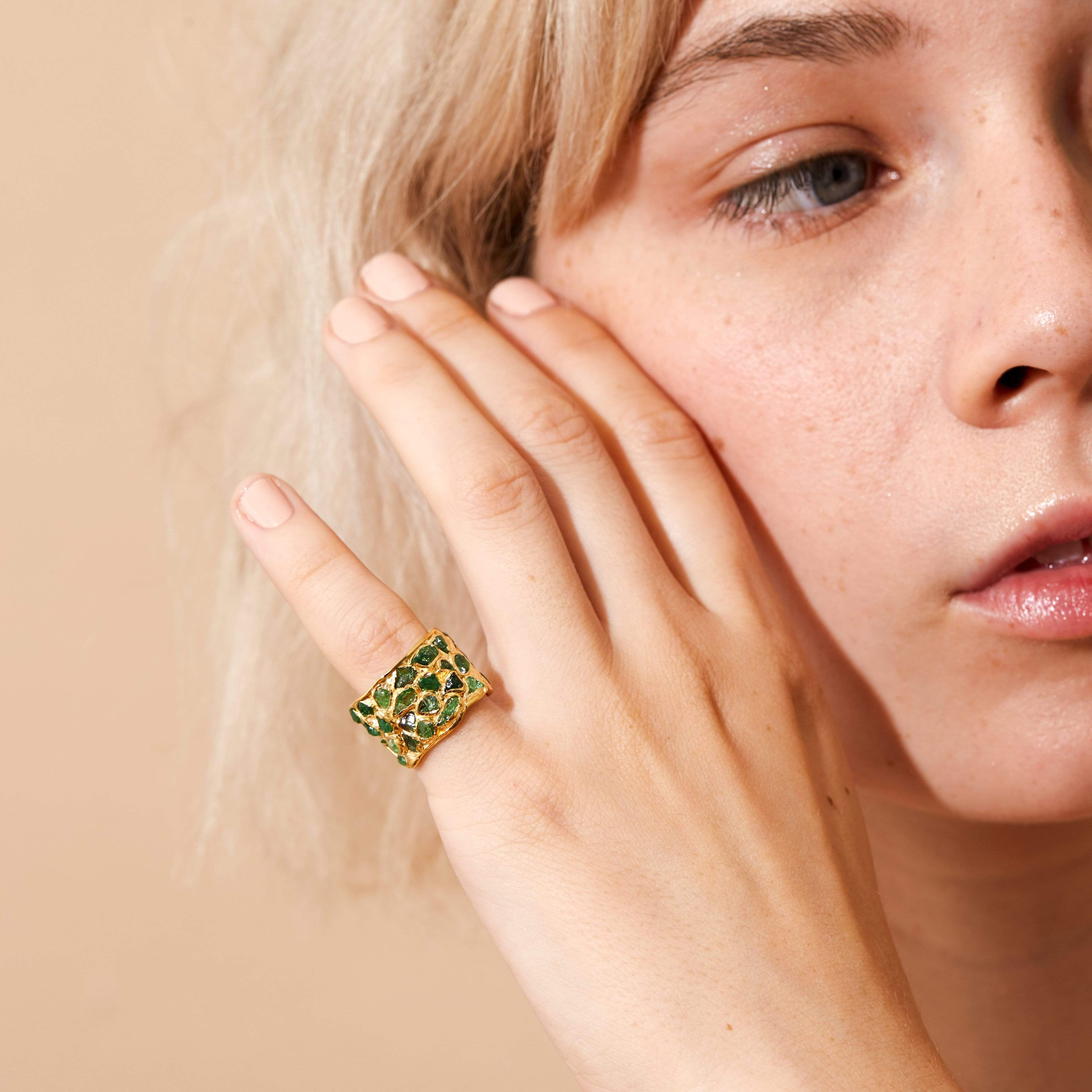 Alcina Grass Ring, ChromeDiopside, Gold, Handmade, spo-disabled, StoneColor:Green, Style:Everyday, Type:StainedGlass Ring