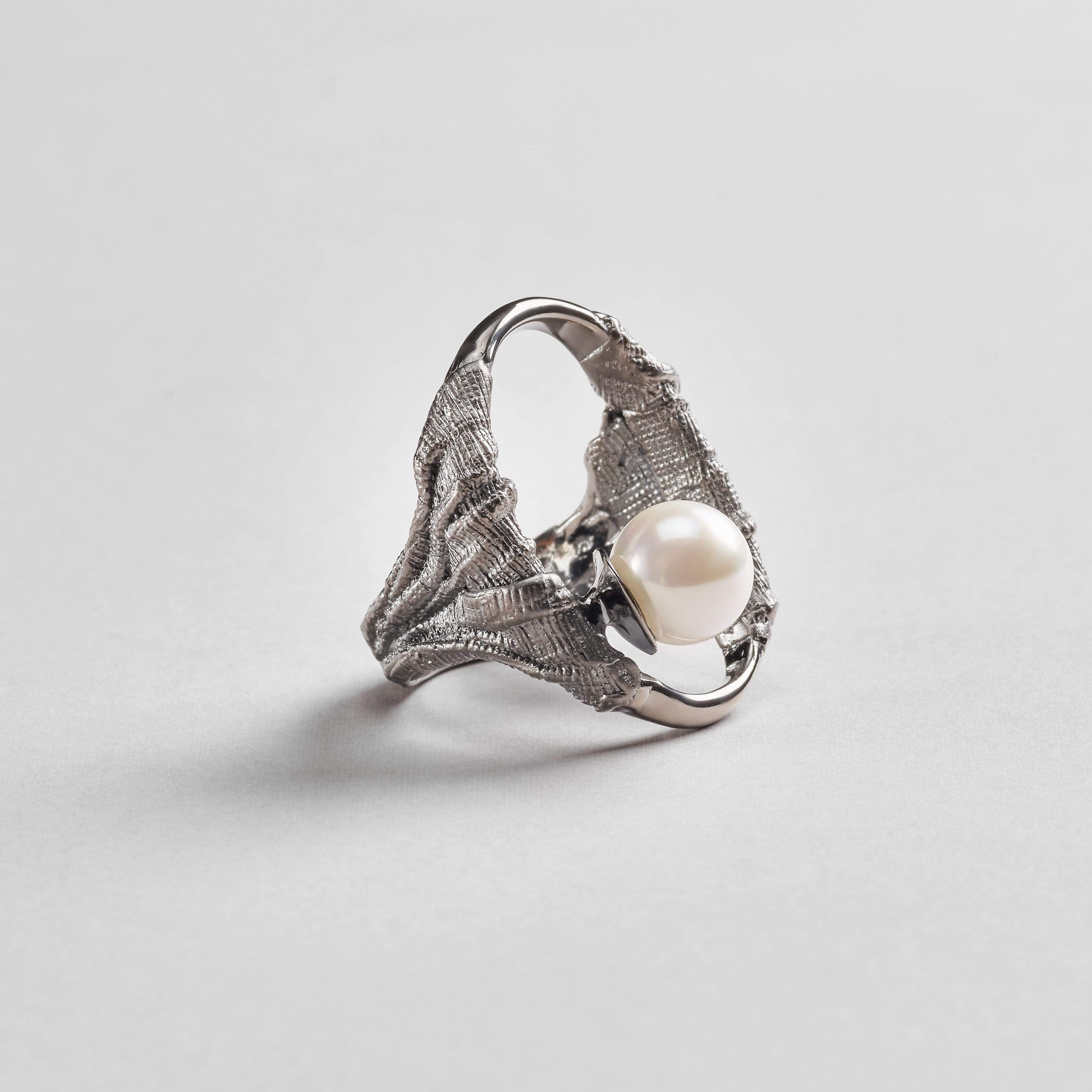 Aecora Ring, Gold, gray, Pearl, Rhodium, Serial, spo-disabled, StoneColor:White Ring