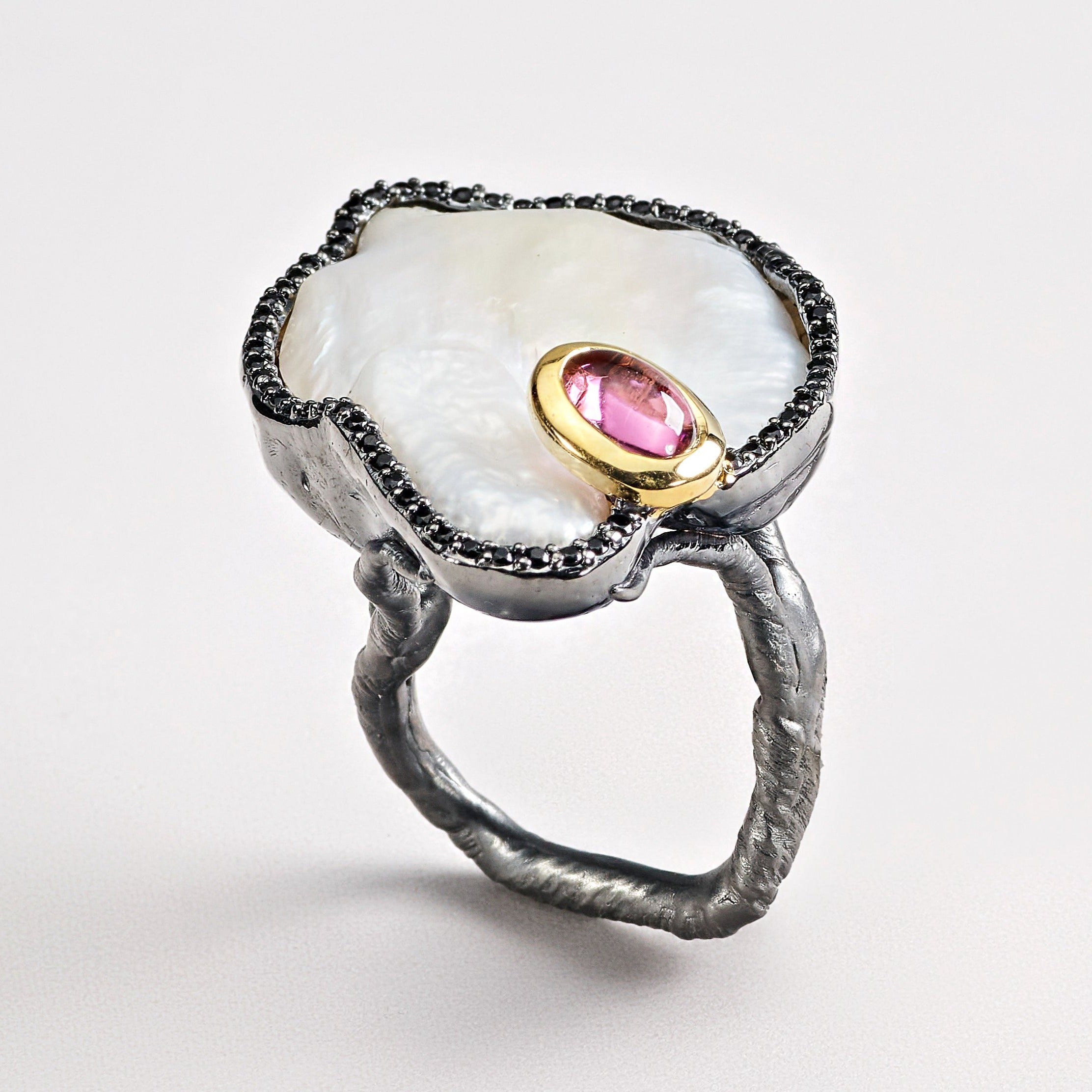 Kean Baroque Pearl Ring