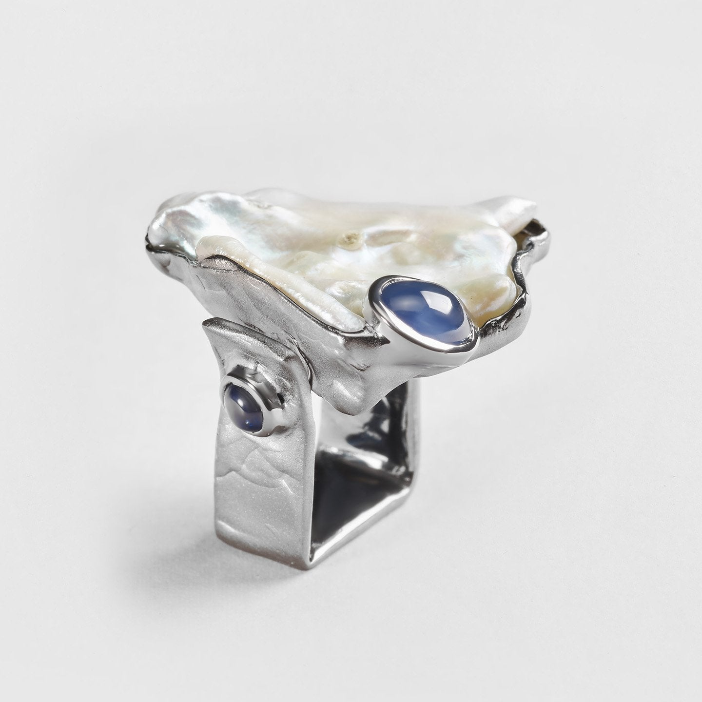 Galla Pearl and Sapphire Ring