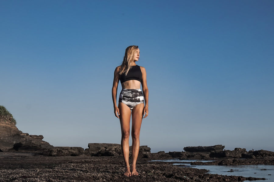 ninefoot Bottom Sanur surf bikini bottom high waist | Storm print |