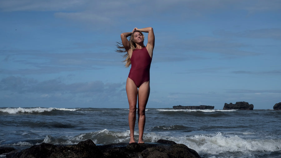 Canggu surf swimsuit one-piece criss cross in Riad