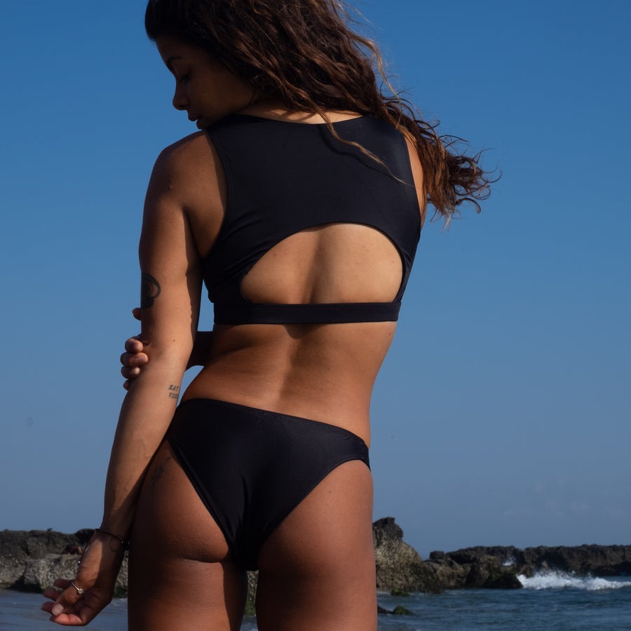 Berawa surf bikini top in Black