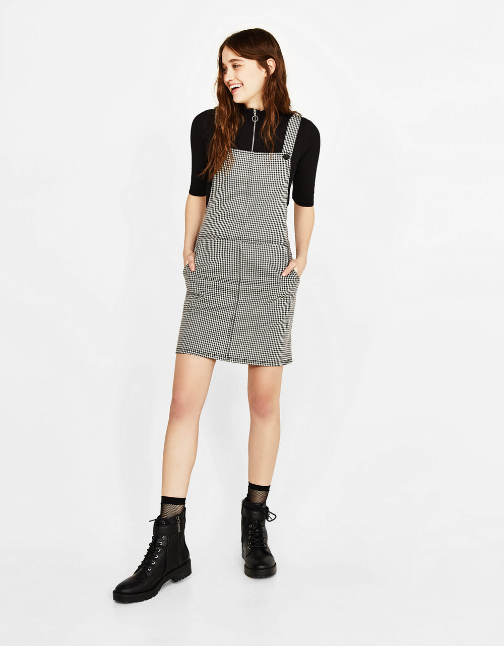 Short dungarees with pockets