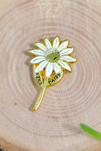 Lazy Daisy Lapel Pin - Tigertree