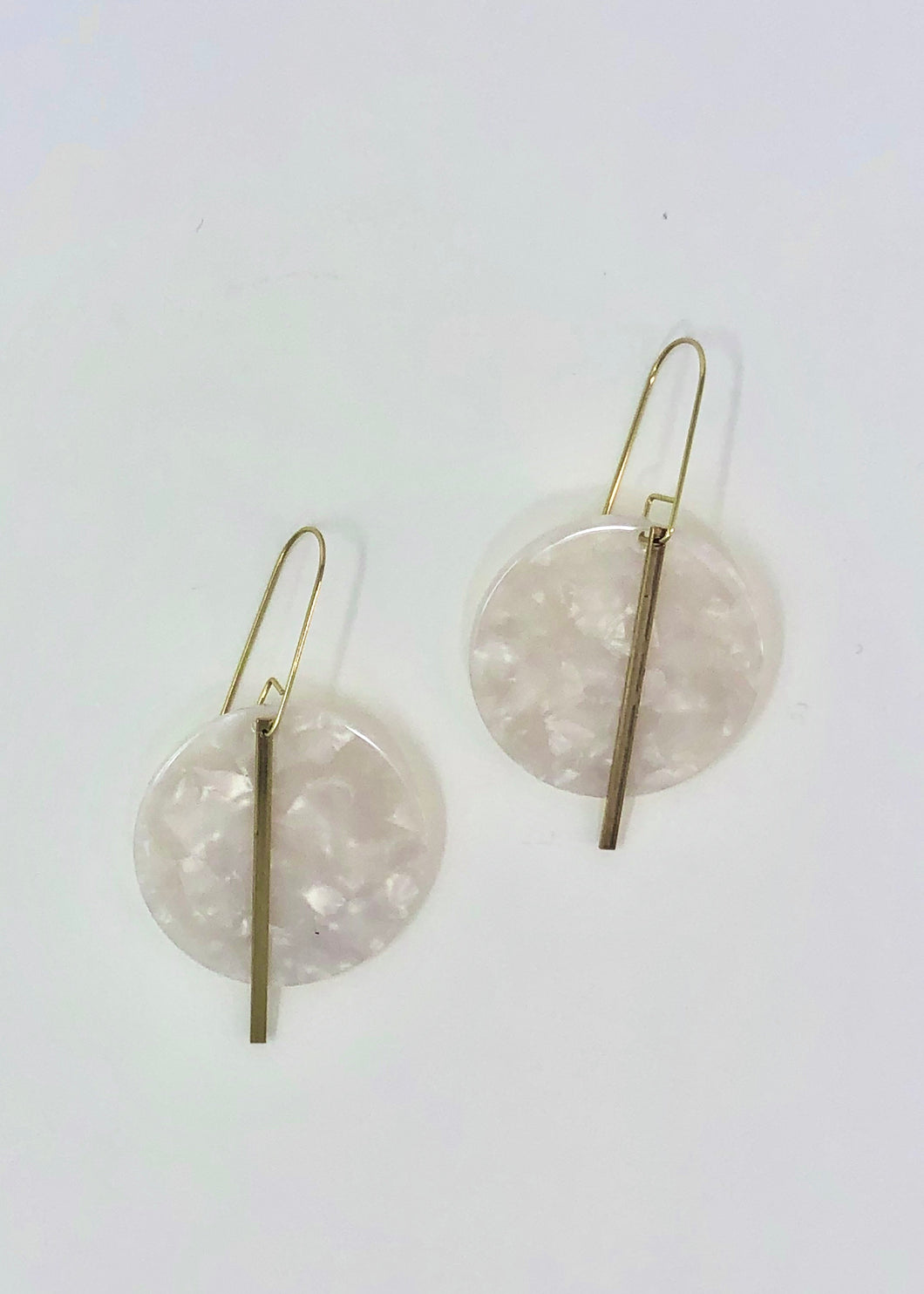 Circle Crossing White Earrings - Tigertree