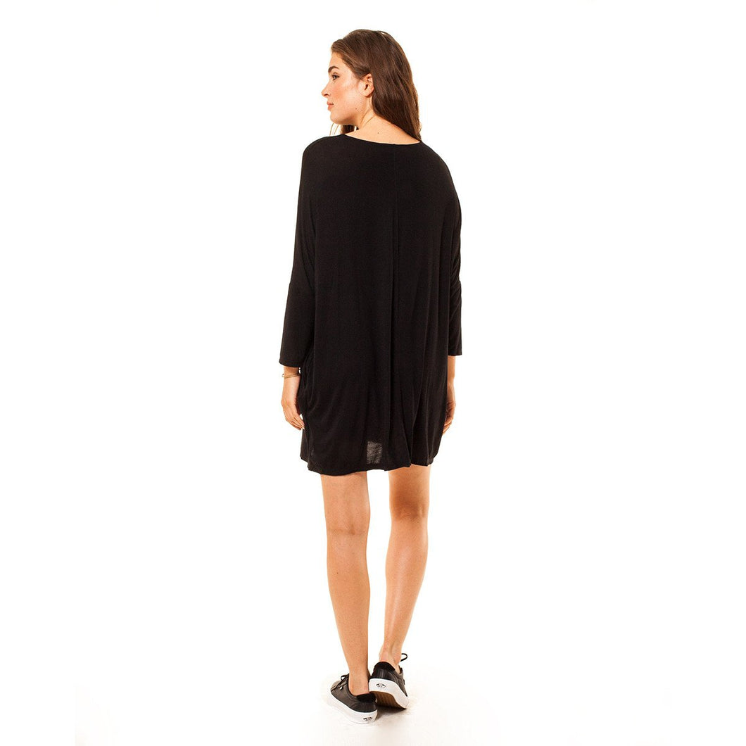 shop the woods Audrey and Olive 3+1 maternity clothes dolman sleeved stretchy t-shirt tee dress black or green