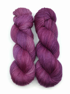 MULBERRY FROST- Merino Twist