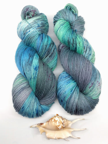 PACIFIC LEATHERBACK SEA TURTLE JOURNEY- Merino Twist