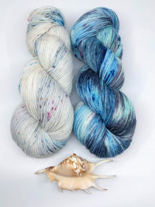PACIFIC LEATHERBACK SEA TURTLE with Powdery Sand - Merino Twist kit