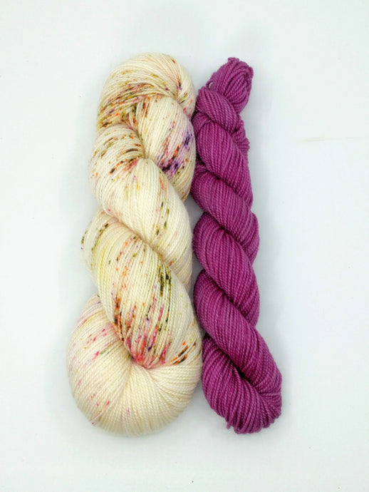 SIERRA ROSE CLOVER with Mulberry- sock kit