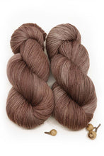 DEVIL'S FOOD- Merino Twist