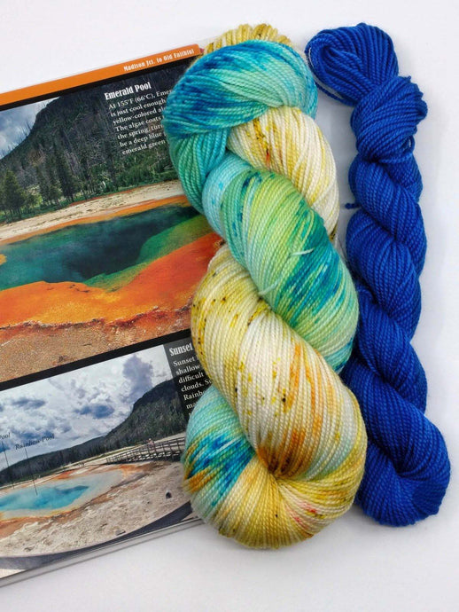 YELLOWSTONE GEYSERS with Sapphire Pool mini- sock kit