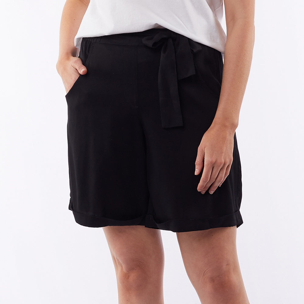 Elm Lifestyle - Blue bell short - Black