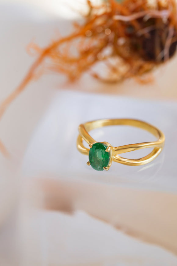 Exceptional Emerald Ring, Genuine Emerald Ring, 0.90 Carat Emerald Ring, Anniversary Ring, Engagement Ring, Emerald Gold Ring