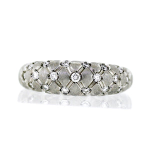 18K White Gold 0.87ctw Quilted Matelesse Design Diamond Band - Sz. 6¾