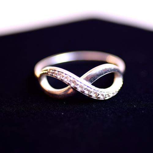 14 Karat White Gold and Cubic Zirconia Infinity Ring, Size 7