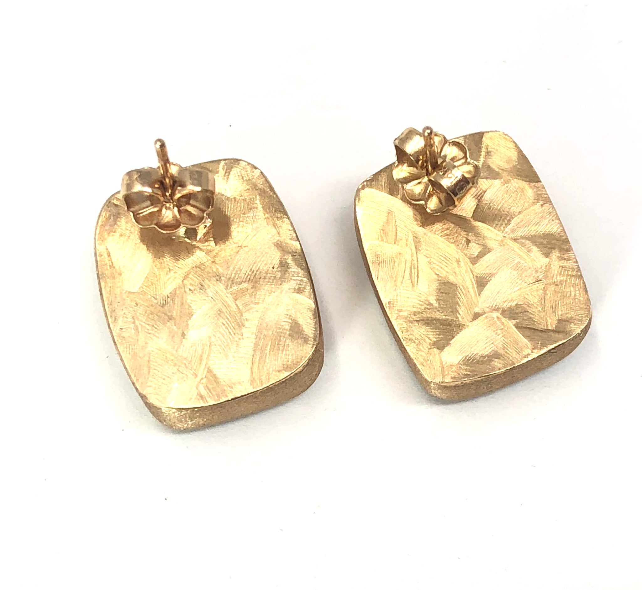 2410cf0f2 ... Load image into Gallery viewer, 14K Yellow Gold and Onyx Inlay  Rectangular Earrings