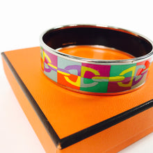 Load image into Gallery viewer, Hermes Optique Chaine D'Ancre Printed Enamel Wide Bracelet