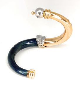 18K LA NOUVELLE BAGUE Diamond & Enamel Bangle Bracelet