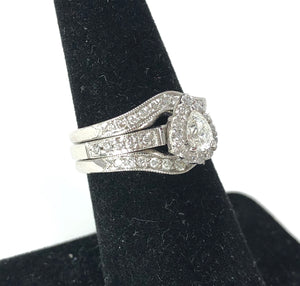 14K White Gold 0.25ct Single Diamond w/ 0.60ct Diamonds Ladies Ring