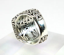 Load image into Gallery viewer, John Hardy Men's Silver Classic Chain with Black Sapphires Signet Ring