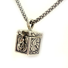 Load image into Gallery viewer, Sterling Silver Leaves Prayer Box Necklace