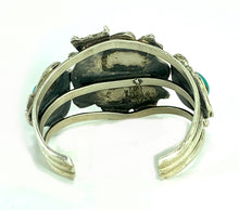 Load image into Gallery viewer, Native American Navajo Sterling Silver Turquoise Frog Cuff Bracelet