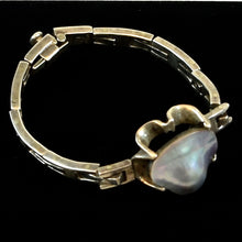 Load image into Gallery viewer, Mexico Sterling Albion Shell Bracelet