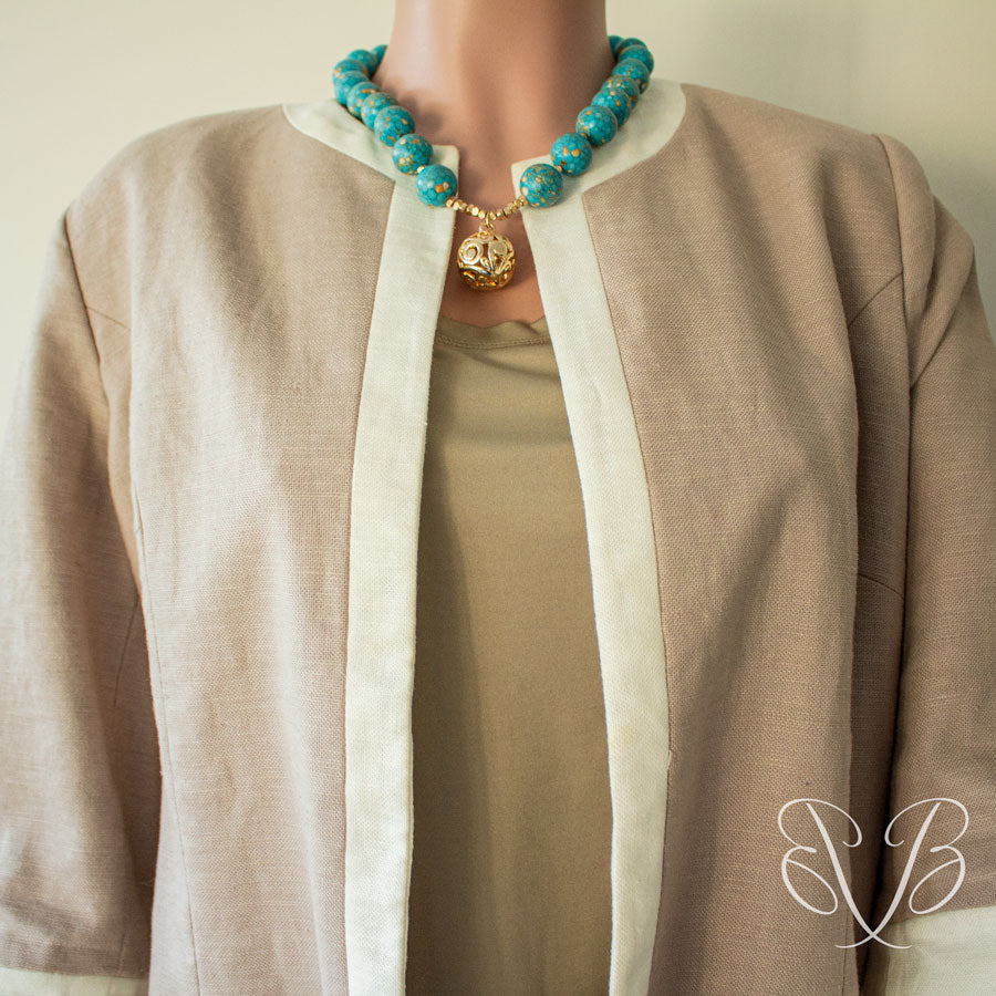 Aqua colored beads casual necklace