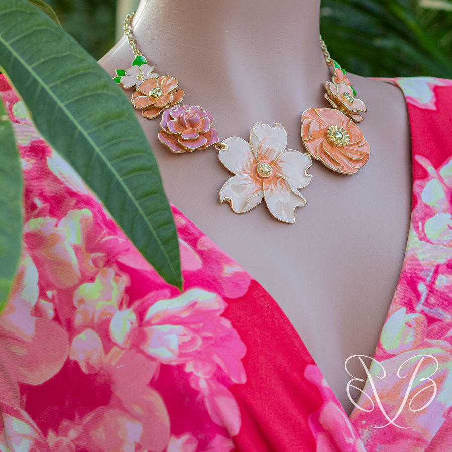 Jewelry-on-the-Go/Peach Parfait enamel Floral Necklace