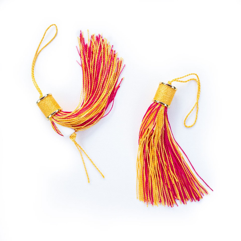 Traveling Fragrance Tassel in pink/yellow color