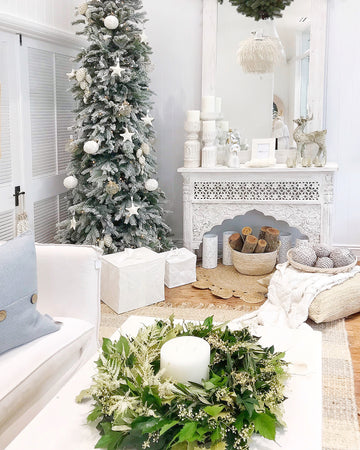 4 Tips to Creating a Coastal Christmas Theme