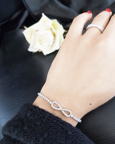 New!  Silver infinity Bracelet  stainless steel