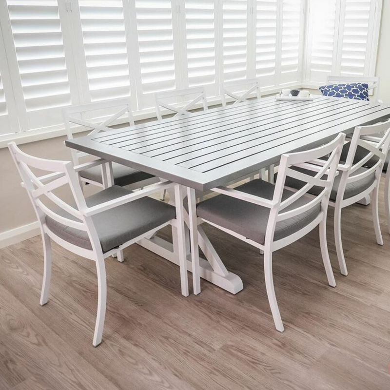 baroque bridgeport dining table