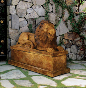 Royal Reclining Lion (Right)