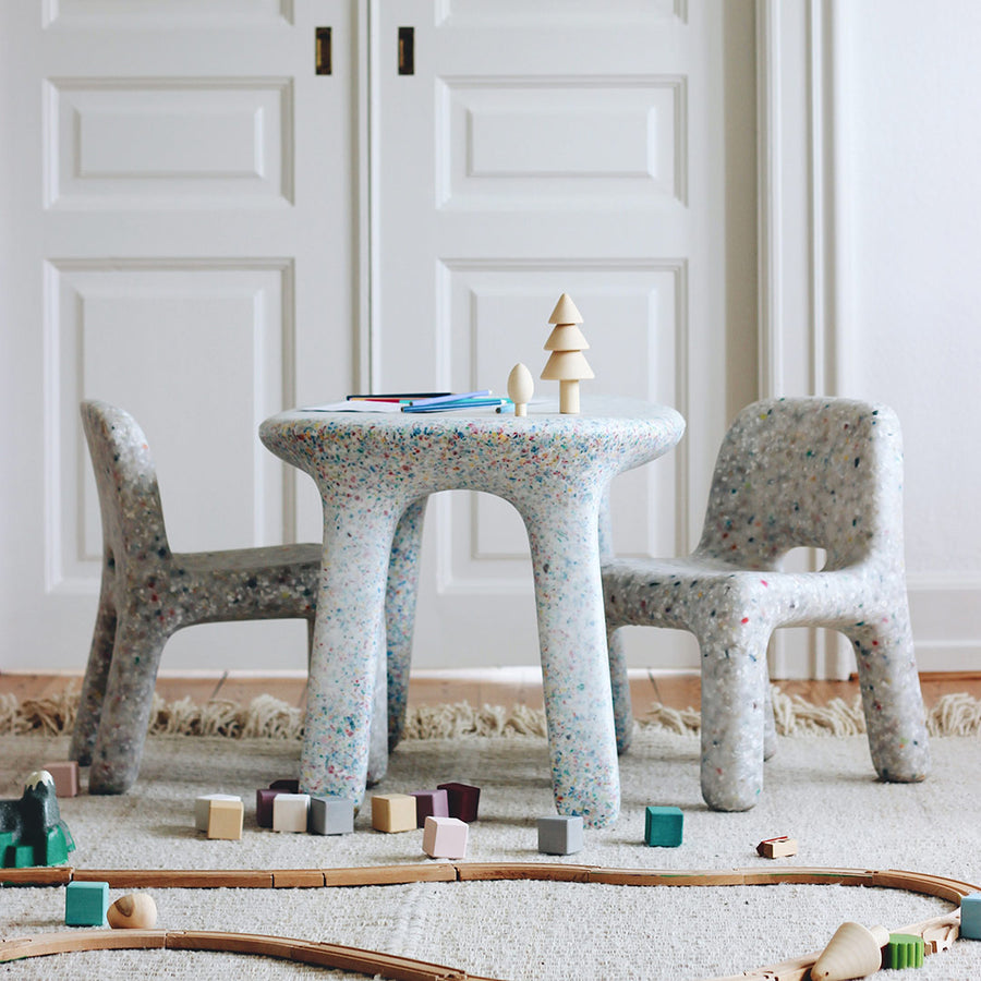 ecoBirdy charlie chair off white luisa table party photo by Laura Short