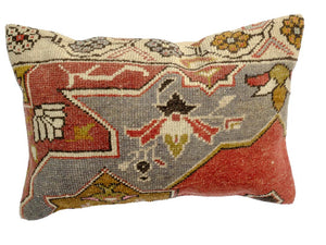 Set of Two Lumbar Pillows 01